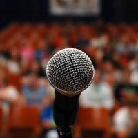 microphone-audience